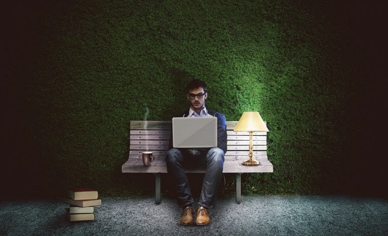 5 Work from Home Night Jobs That Pay Well
